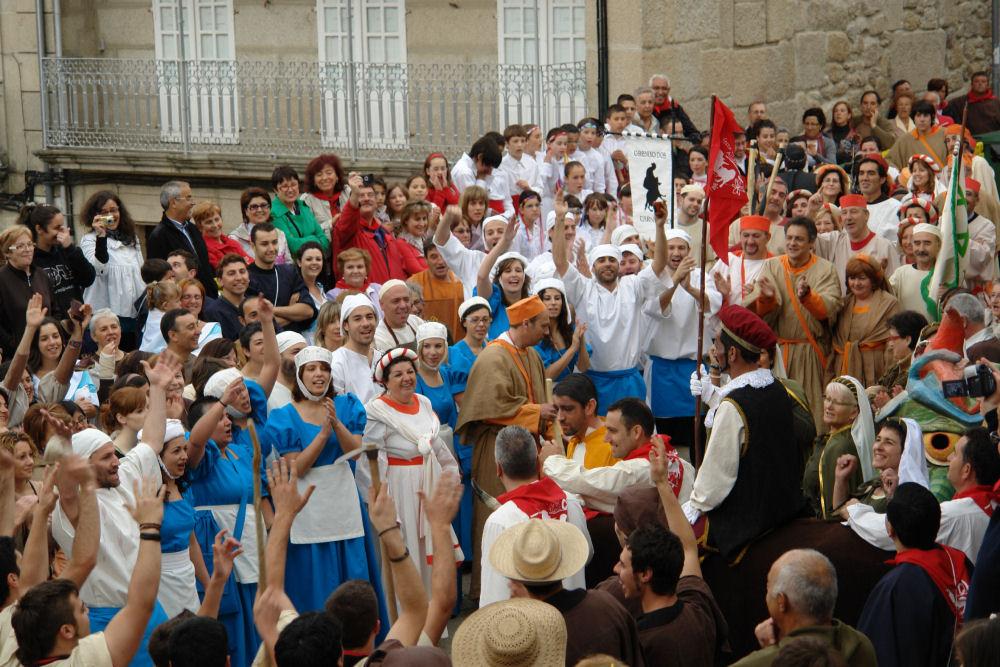 Bases da procesión, xantar e concursos do día Histórico